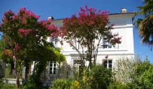 La Belle Maison ext 310