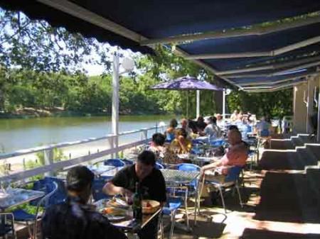 Restaurant by Brossac Lake